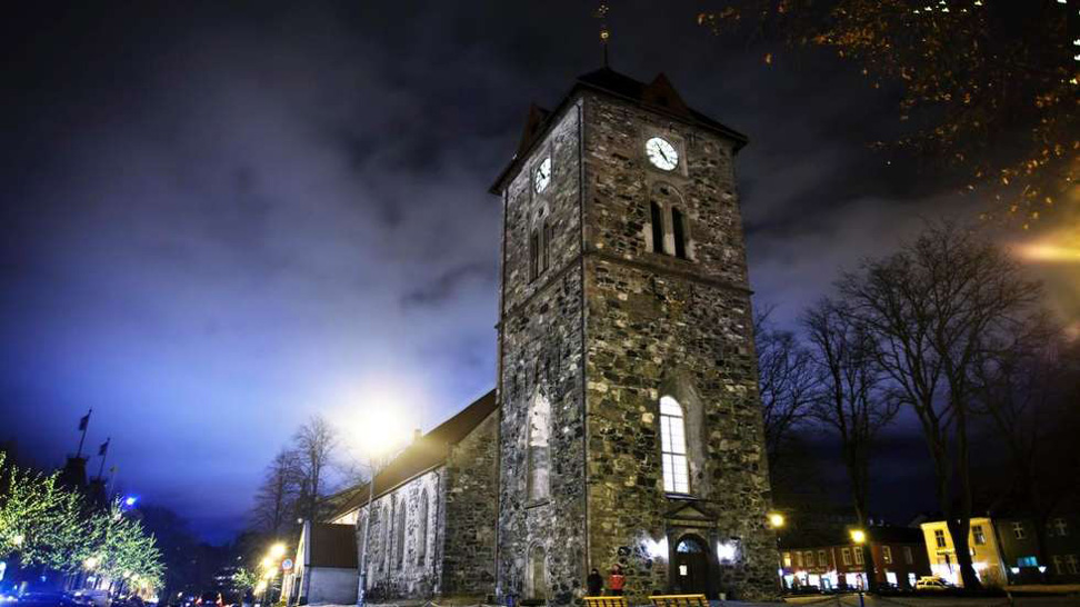 Vår frue kirke vinter kveld justert