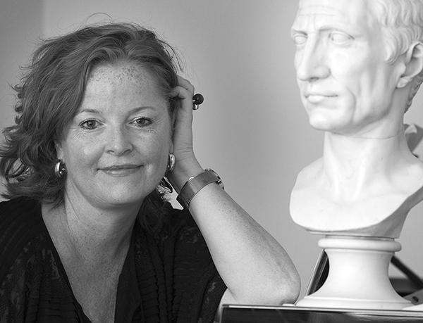 Ida Östenberg är docent och forskare med inriktning på antiken skriver även i Svenskan och fick nyligen pris av Svenska Akademien